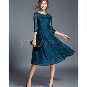 Dresses & Skirts - NWT Beautiful dress